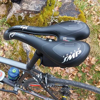 Changement de selle de vélo pour une SMP Trk Gel