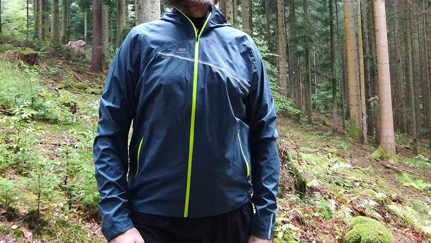 Test de la veste imperméable trail Kalenji